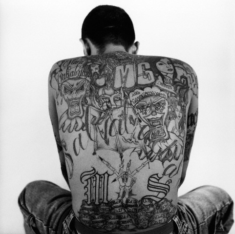 Photo tatouages dos entier Gang